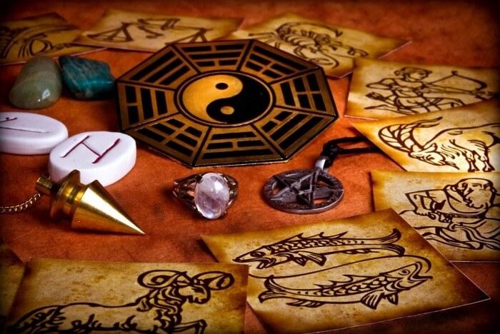supports divinatoires